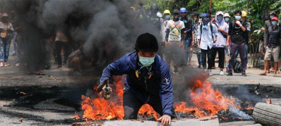 Πραξικόπημα στη Μιανμάρ: Διεθνής κατακραυγή για την αιματηρή καταστολή των διαδηλώσεων