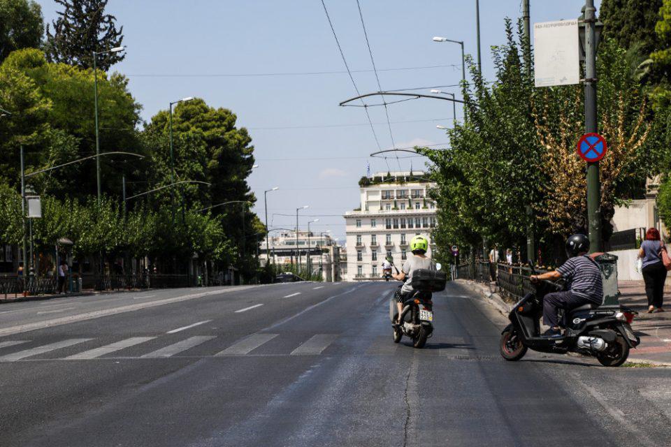 Αλλαγές στους όρους οδήγησης για μοτοσικλέτες έως 125 κυβικά - Τι προβλέπει το νομοσχέδιο
