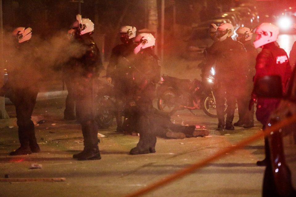 Νέα Σμύρνη - Σοκάρουν οι καταθέσεις των αστυνομικών για τον ξυλοδαρμό του συναδέλφου τους: «Σκοτώστε τον, ψόφα κ@@@μπατσε»