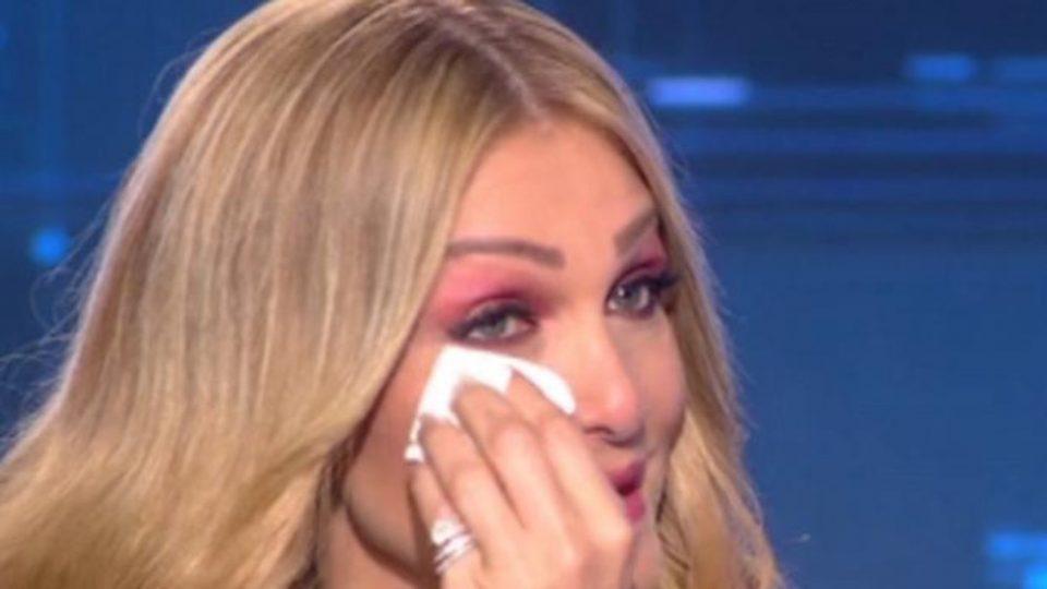 Ξέσπασε σε δάκρυα η Νατάσα Θεοδωρίδου: Πω πω, ρώτα με για γάμους, ρώτα με για τα διαζύγια