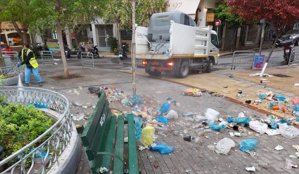 Κυψέλη - Ελαμψε πάλι η πλατεία: Μαζεύτηκαν 50 σακούλες με σκουπίδια
