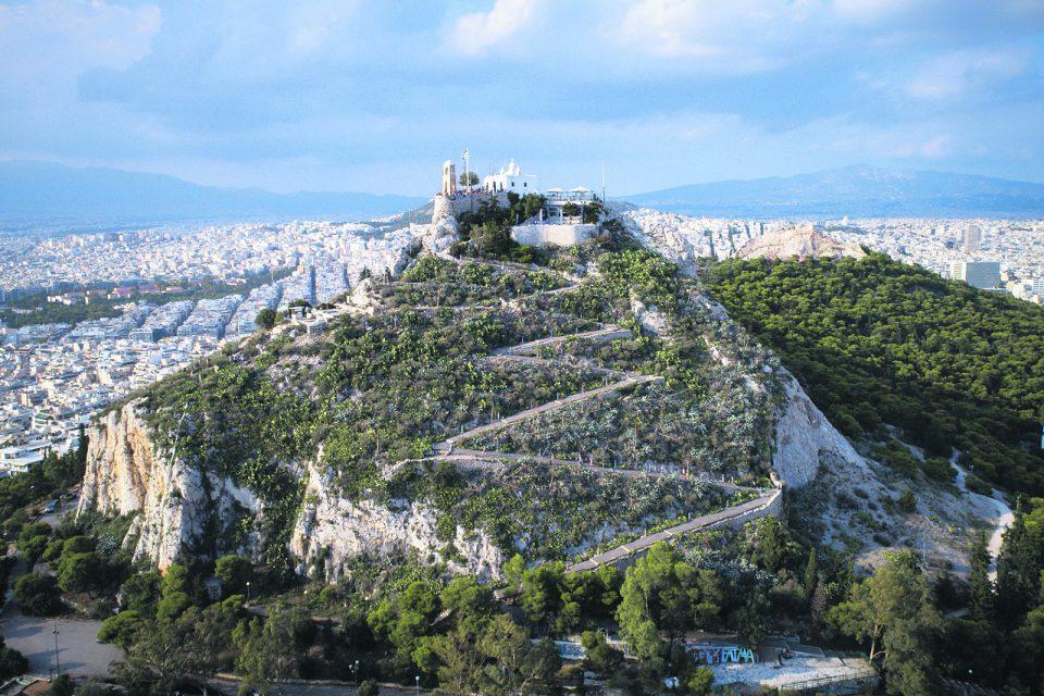 Λυκαβηττός: Λίφτινγκ στο… μπαλκόνι της Αθήνας
