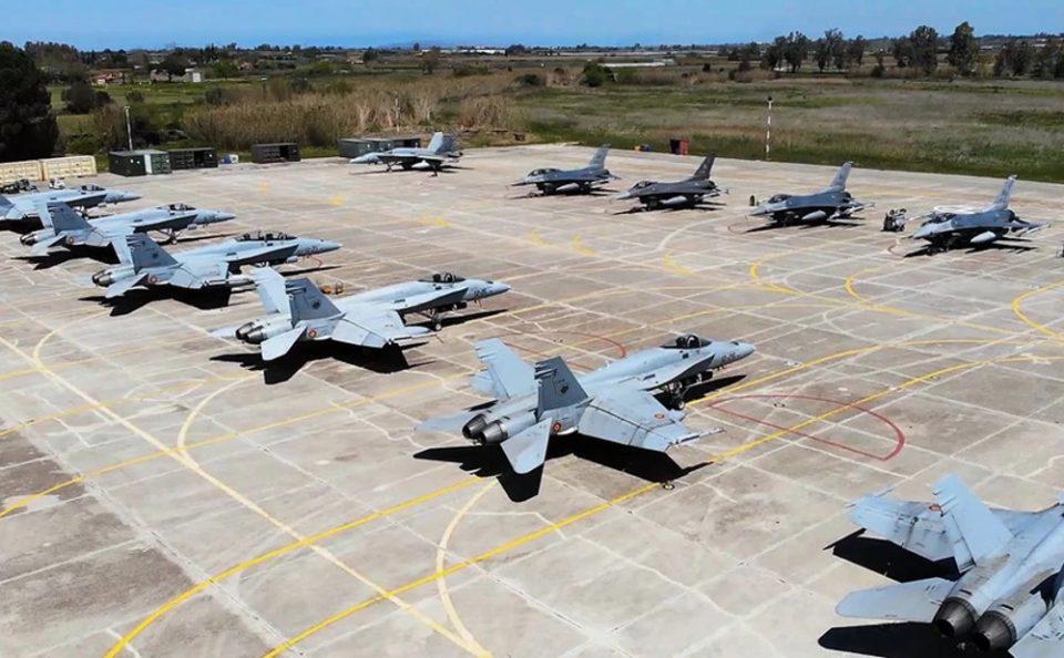 «Ηνίοχος 2021»: Εντυπωσιακές εικόνες στην στρατιωτική άσκηση
