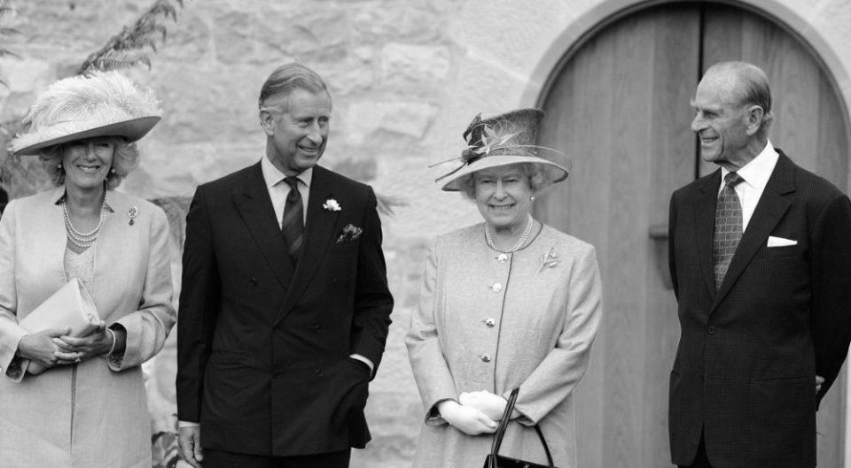 Ο πρίγκιπας Κάρολος απέτισε φόρο τιμής στον «αγαπημένο του μπαμπά»