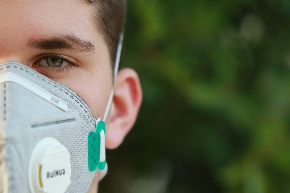 Κορωνοϊός: Τέλος οι μάσκες για τους πλήρως εμβολιασμένους στις ΗΠΑ