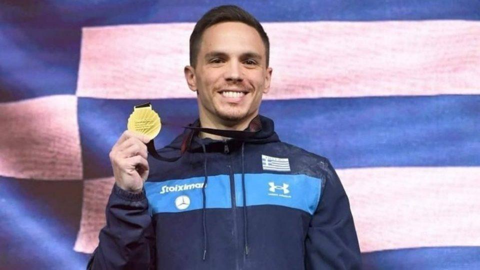 Πετρούνιας: Αφιερωμένο στην Ελλάδα και στους απλήρωτους αθλητές το μετάλλιο