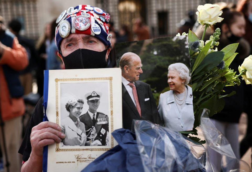 Πρίγκιπας Φίλιππος: Η γέννηση στην Κέρκυρα, η διαφυγή από την Ελλάδα και ο γάμος με την Ελισάβετ