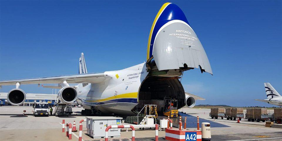 Self test: Με αεροσκάφος Antonov στην Ελλάδα 2,5 εκατ. τεστ [εικόνες]