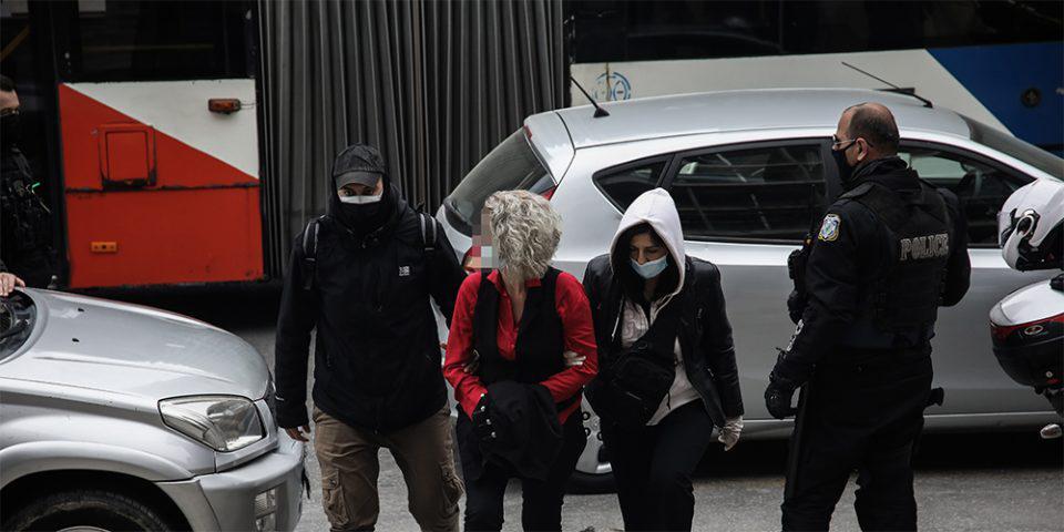 Θεσσαλονίκη: Αναβλήθηκε η δίκη της μητέρας αρνήτριας των self test