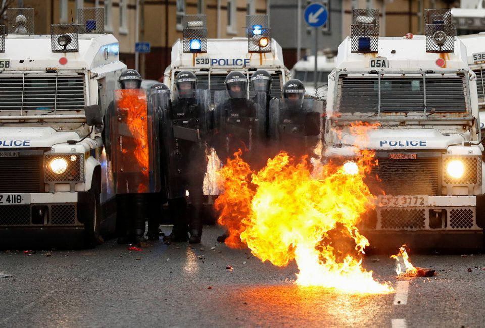 Βρετανία: Νέες ταραχές παρά τις εκκλήσεις για ηρεμία