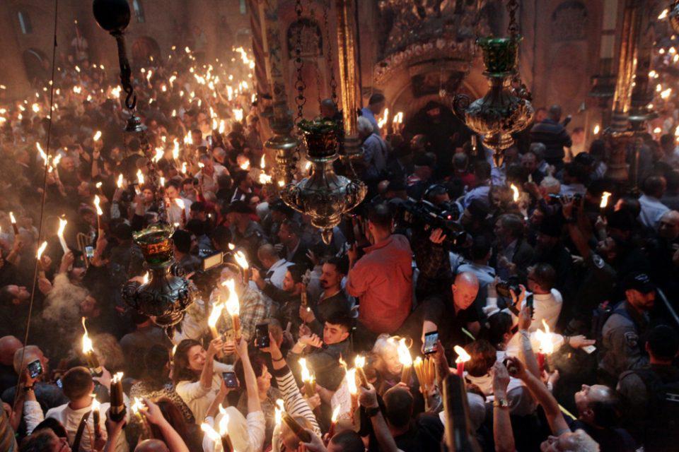 Άγιο Φως: Δείτε live από τον Πανάγιο Τάφο η τελετή αφής