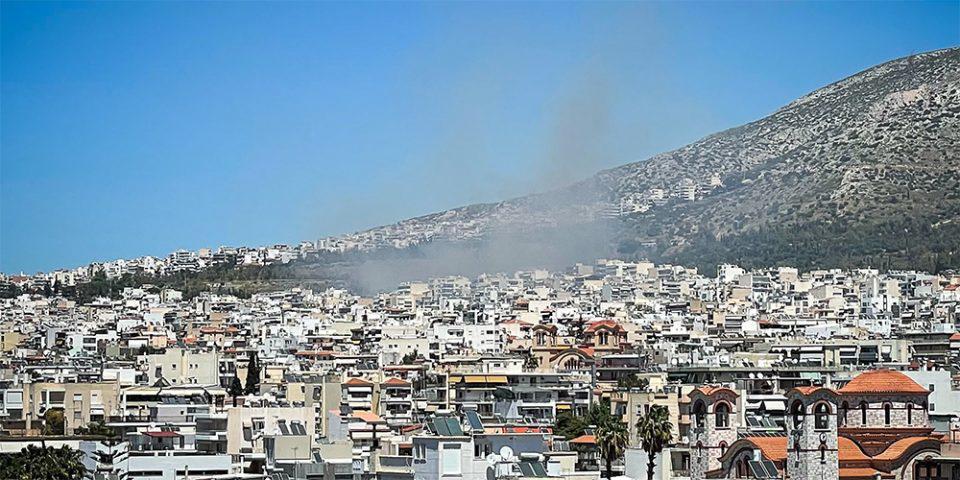 Υπό μερικό έλεγχο η πυρκαγιά στην Αργυρούπολη - Ξεκινά έρευνα