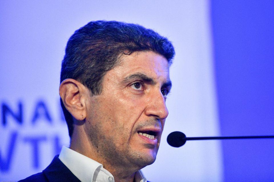 Αυγενάκης: Καταγγέλλει την ΕΟΚ για «νοθεία»