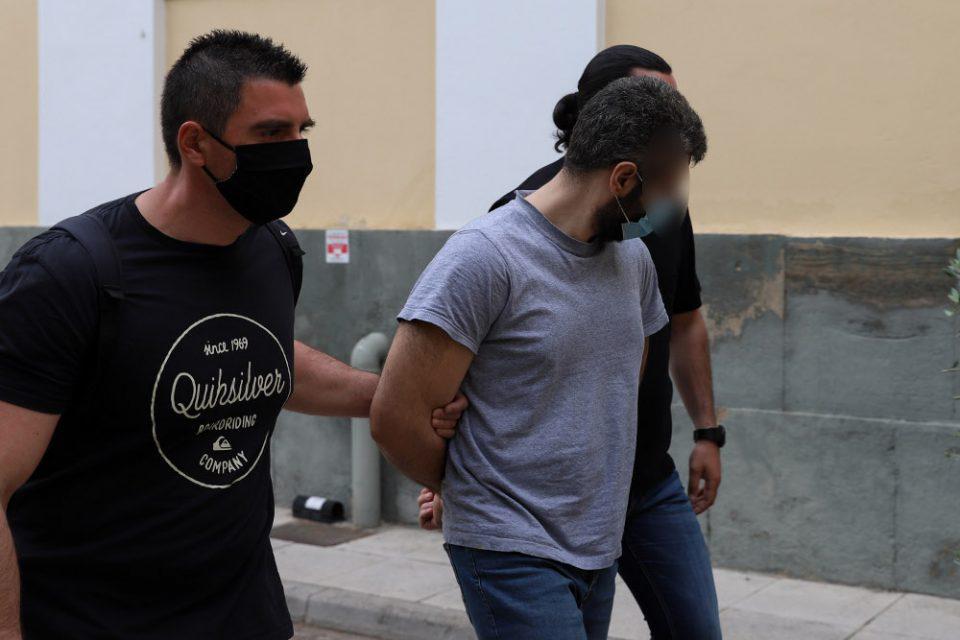 Καλύβια: Προφυλακιστέος ο 32χρονος - Τι είπε στην απολογία του