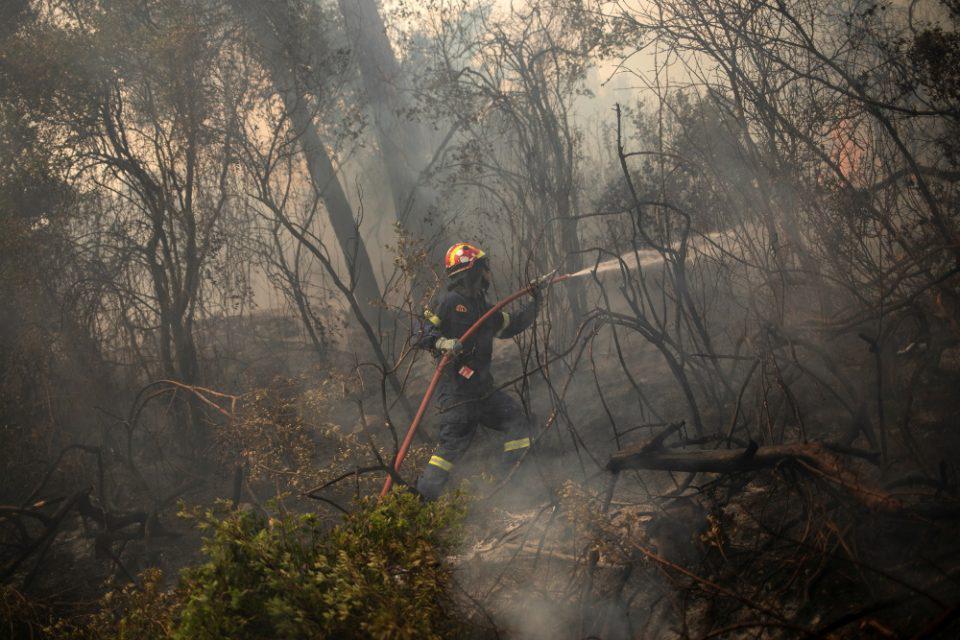 Πολύ υψηλός κίνδυνος πυρκαγιάς για το Σάββατο σε Αττική