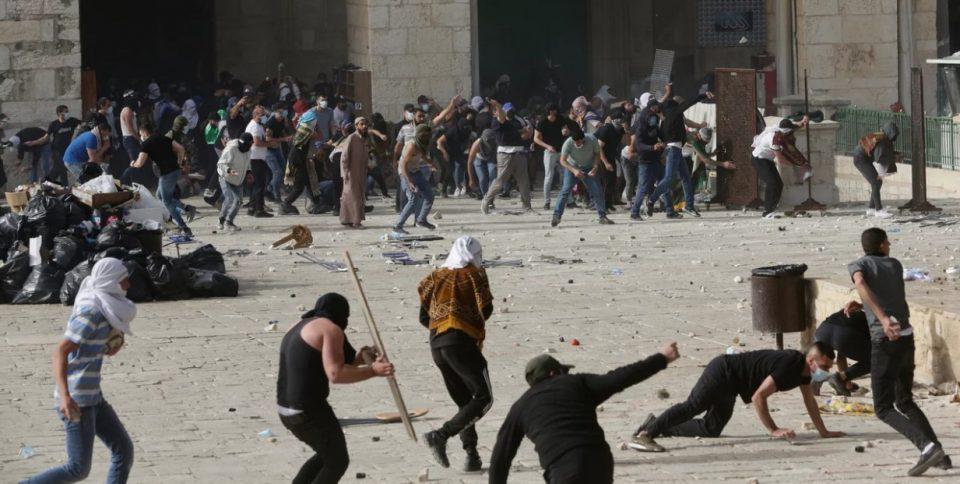 «Φλέγεται» η Γάζα: Εκτοξεύσεις ρουκετών από Παλαιστίνιους και αεροπορικά πλήγματα του Ισραήλ όλη τη νύχτα