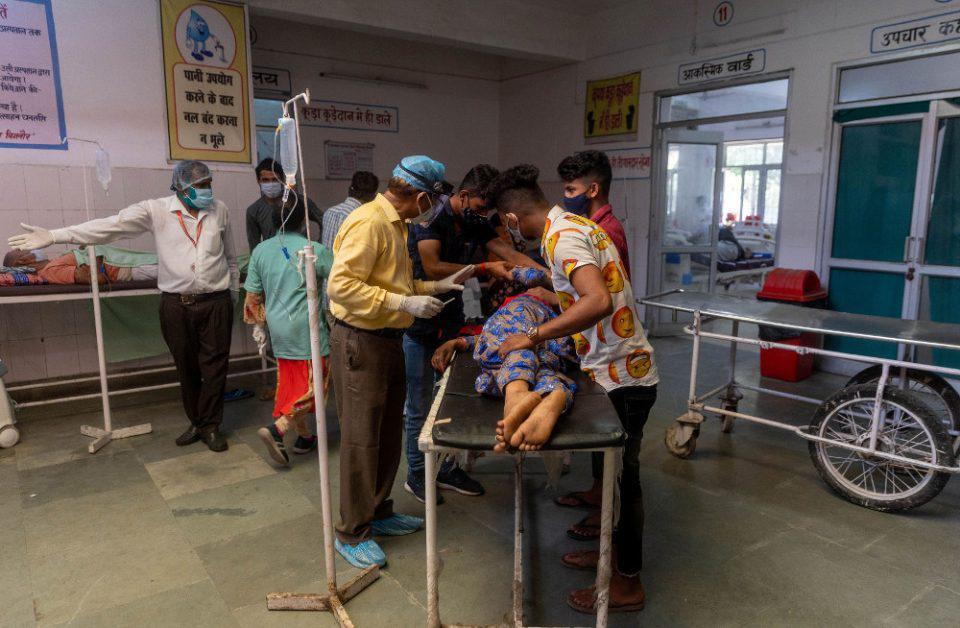 Ινδία: Πάνω από 250.000 νεκροί - Τα κρούσματα ξεπέρασαν τα 23 εκατ.