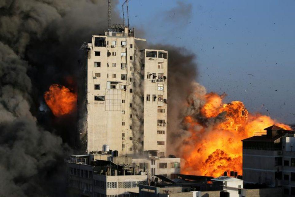 Ισραήλ: Ανελέητοι βομβαρδισμοί στη Γάζα - Περισσότεροι από 100 νεκροί, ανάμεσά τους 31 παιδιά [βίντεο]