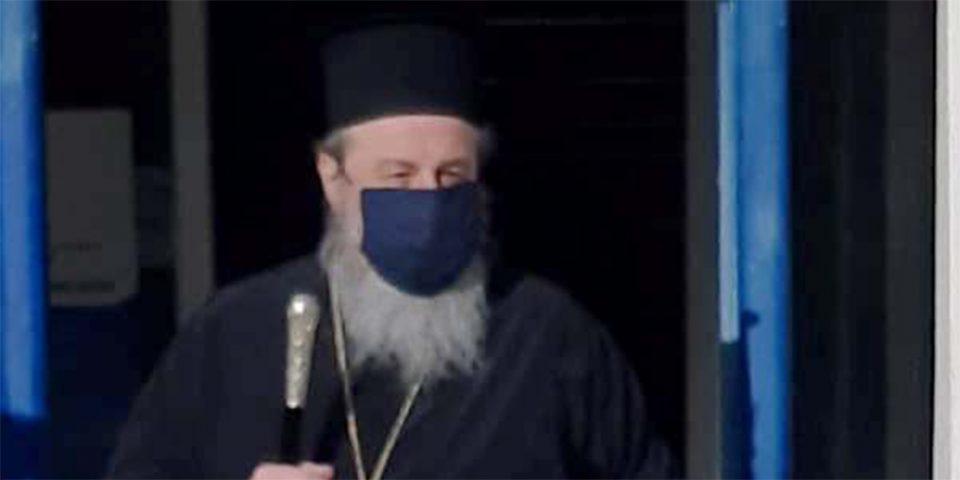Στον εισαγγελέα στέλνει ο μητροπολίτης Δράμας τους «αντάρτες» ιερείς