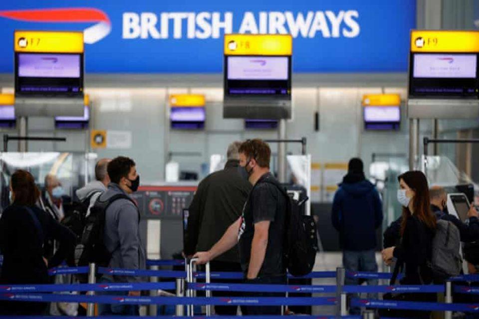 Βρετανία: Ο επικεφαλής του αεροδρόμιου Χίθροου επιμένει να μπει και η Ελλάδα στην «πράσινη λίστα»