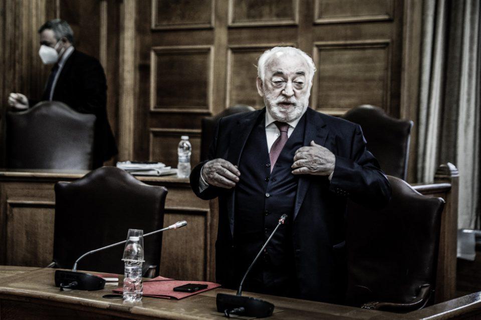Σε συμπληγάδες ο ΣΥΡΙΖΑ λόγω ΣΥΡΙΖΑ CHANNEL και δημοσκοπικής κατάρρευσης