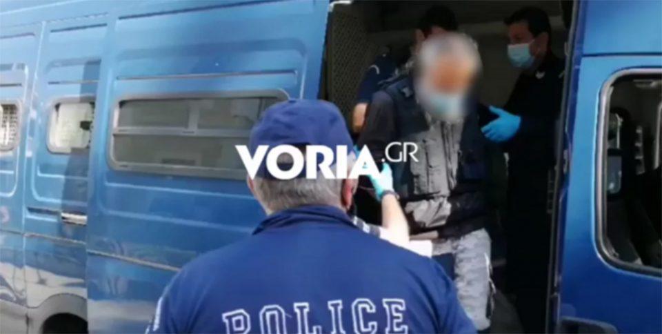 Επίθεση με τσεκούρι στη ΔΟΥ Κοζάνης: Διεκόπη η δίκη [βίντεο]
