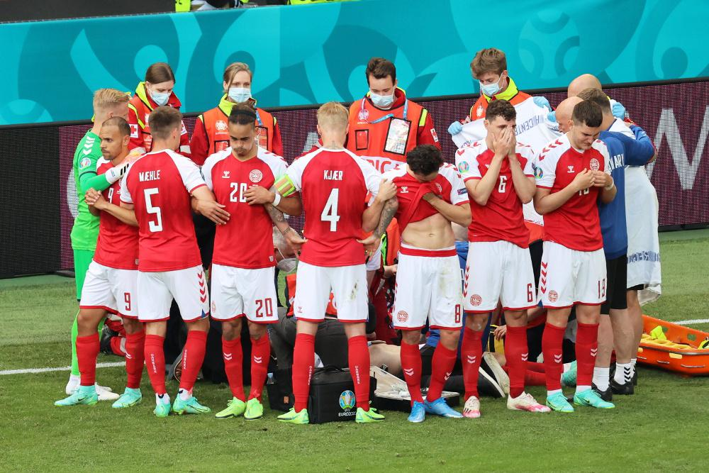 Euro 2020: Συγκλονίζει η ανθρώπινη «ασπίδα» στον Έρικσεν