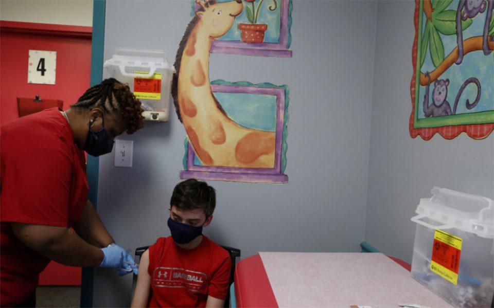 Οι ΗΠΑ ανοίγουν το δρόμο για εμβολιασμό παιδιών κάτω των 12 ετών