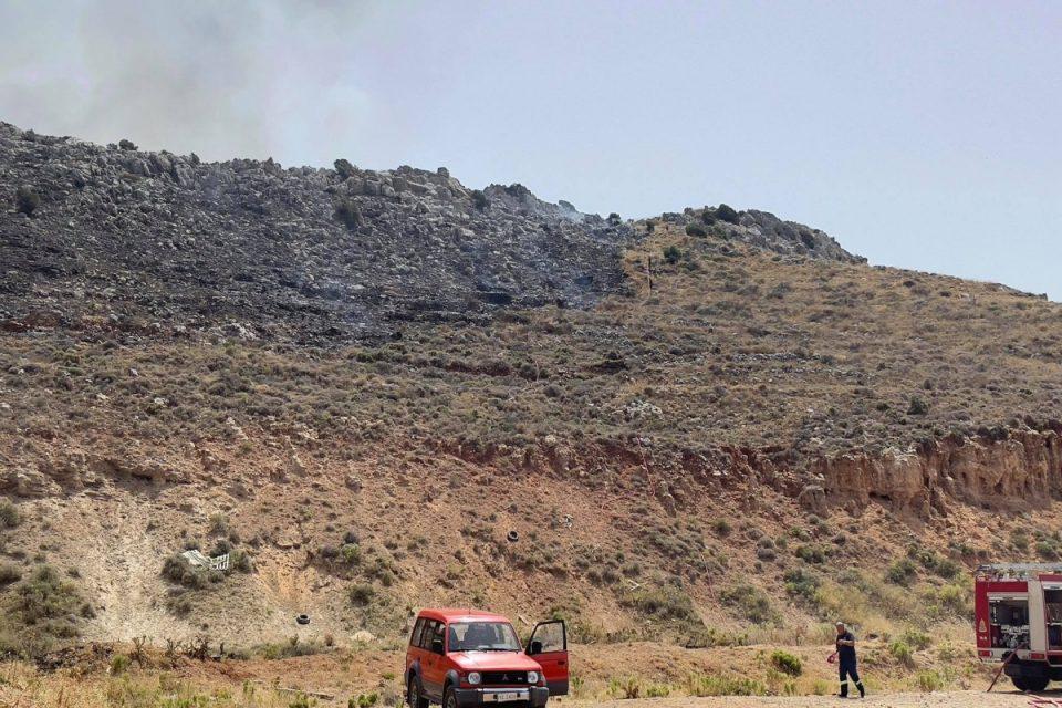 Φωτιά στο Ηράκλειο Κρήτης – Σπεύδει η Πυροσβεστική, ακούγονται εκρήξεις