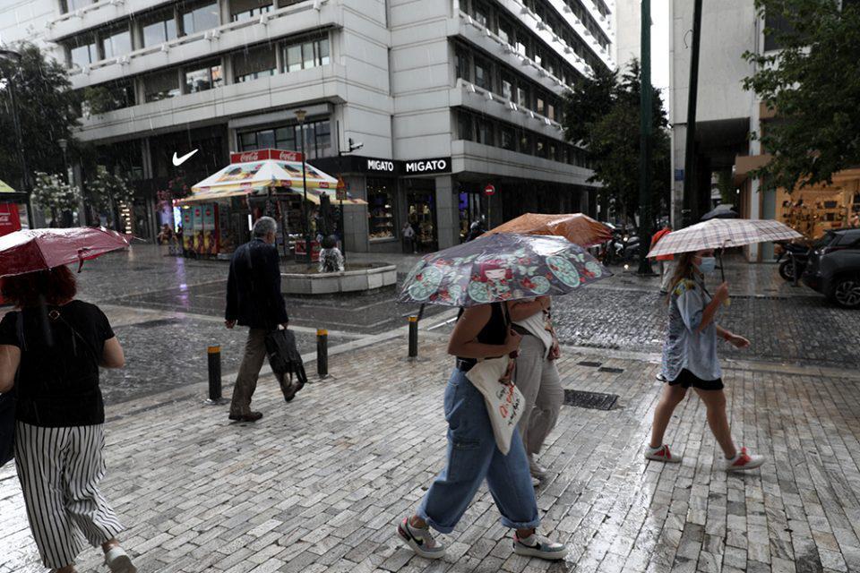 Καιρός: Πού «θα χτυπήσουν» οι βροχές και οι καταιγίδες – Αναλυτική πρόγνωση