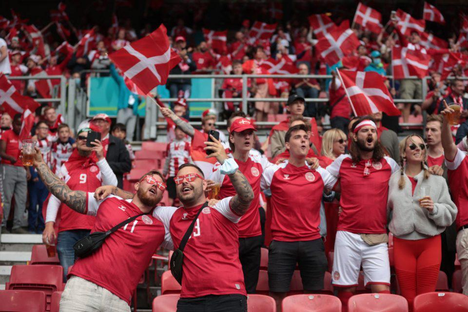 Οι αγώνες του Euro ενδέχεται να αποτελέσουν «εστίες υπερμετάδοσης» προειδοποίησε ο ΠΟΥ