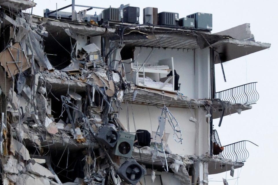 Μαϊάμι: Ανασύρθηκε το 11ο θύμα από τα συντρίμμια της πολυκατοικίας