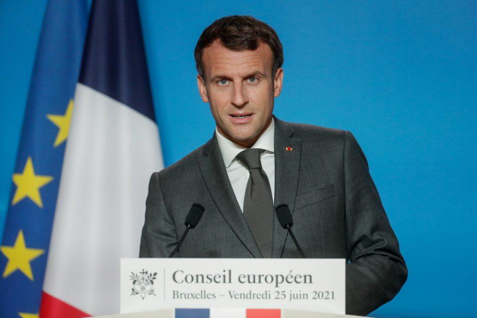 Γαλλία: Το διάγγελμα Μακρόν «έριξε» την πλατφόρμα εμβολιασμού – Περισσότεροι από 900.000 έσπευσαν να εμβολιαστούν