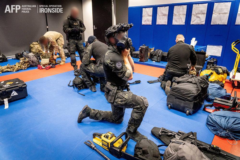 Πάνω από 800 συλλήψεις σε μια παγκόσμια επιχείρηση κατά του οργανωμένου εγκλήματος