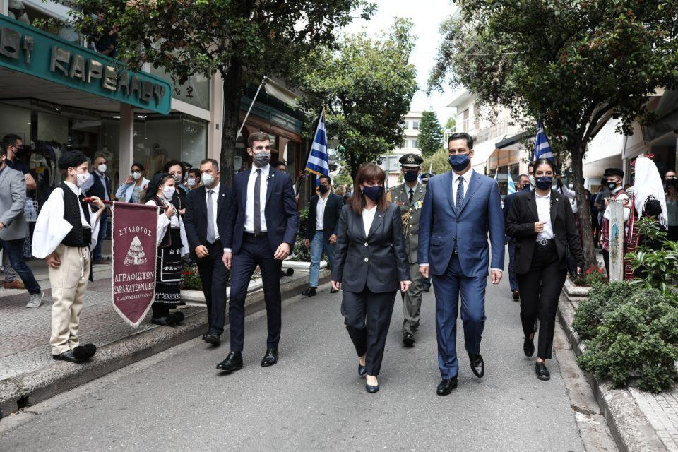 Επέτειος 200 χρόνων: Στο Αγρίνιο η Σακελλαροπούλου – Τίμησε την ημέρα απελευθέρωσης από τον τουρκικό ζυγό