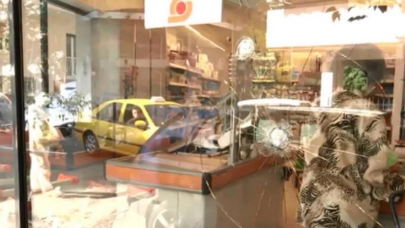 Μπαράζ επιθέσεων στα σούπερ μάρκετ Σκλαβενίτης - Τα σπάνε κυριολεκτικά