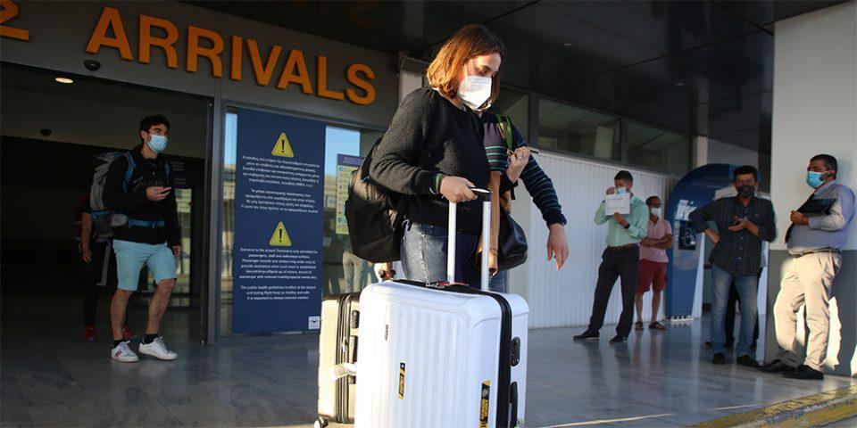 «Ναι» στην είσοδο τουριστών στην Ελλάδα με όλα τα εμβόλια
