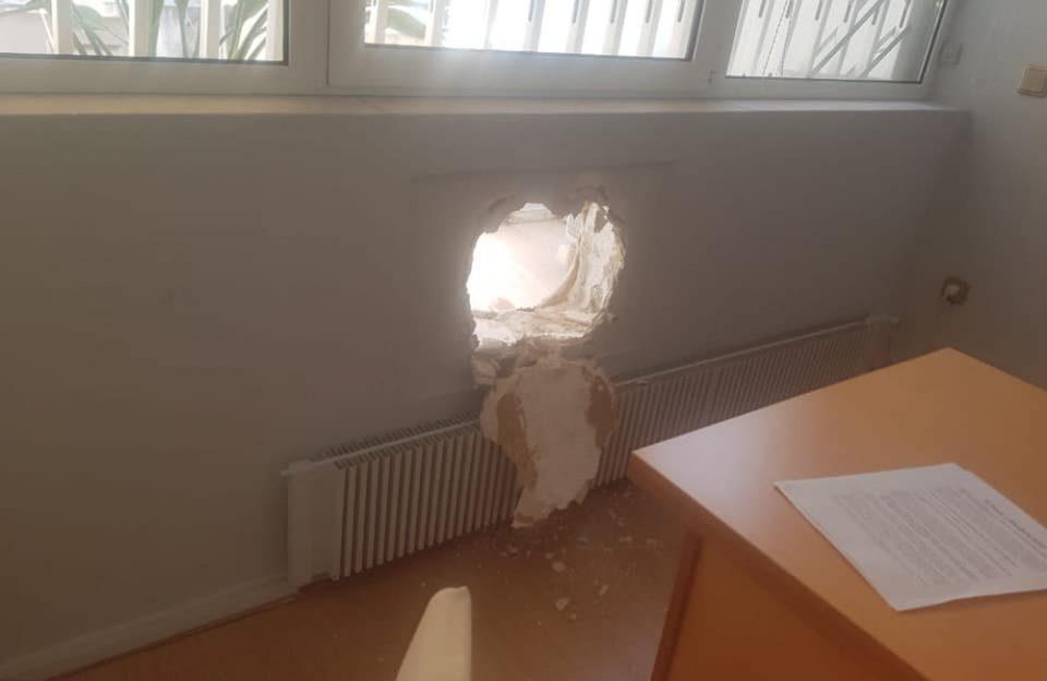 Δύο συλλήψεις για τη διάρρηξη στο γραφείο του Τσακαλώτου