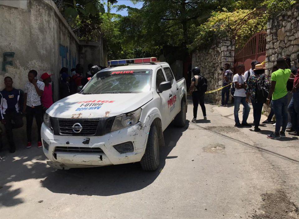 Πράκτορες και εμβόλια στέλνουν οι ΗΠΑ στην Αϊτή