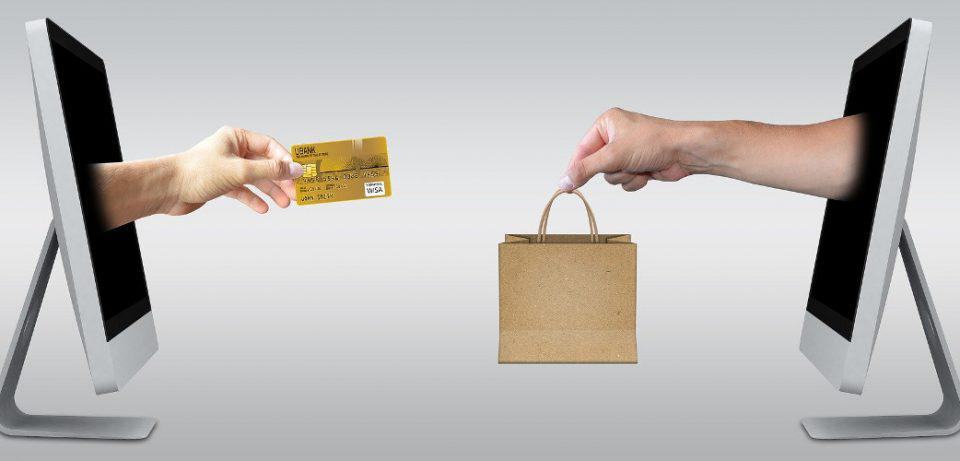 Ηλεκτρονικό εμπόριο: Νέοι κανόνες από σήμερα στις χρεώσεις ΦΠΑ