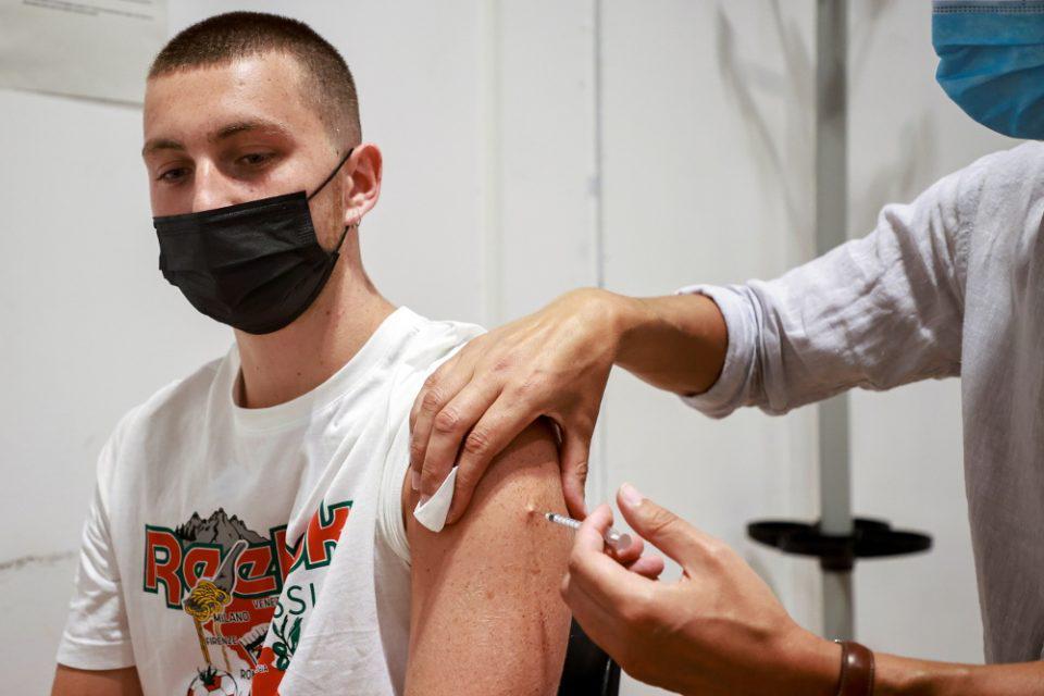 Κορονοϊός εμβολιασμένοι