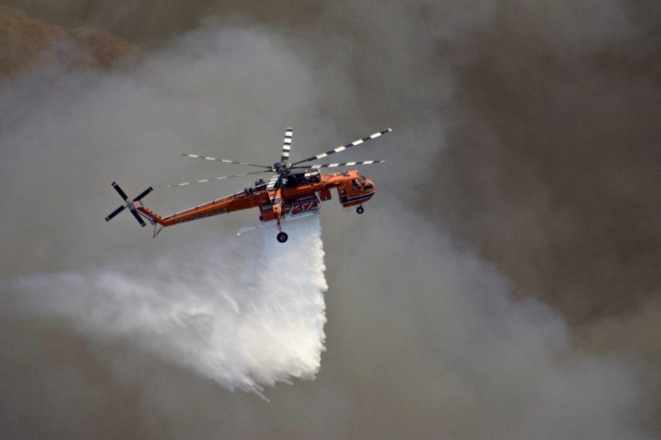 Κρήτη: Μεγάλη φωτιά στο δάσος της Πρίνας στο Λασίθι - Πνέουν ισχυροί άνεμοι