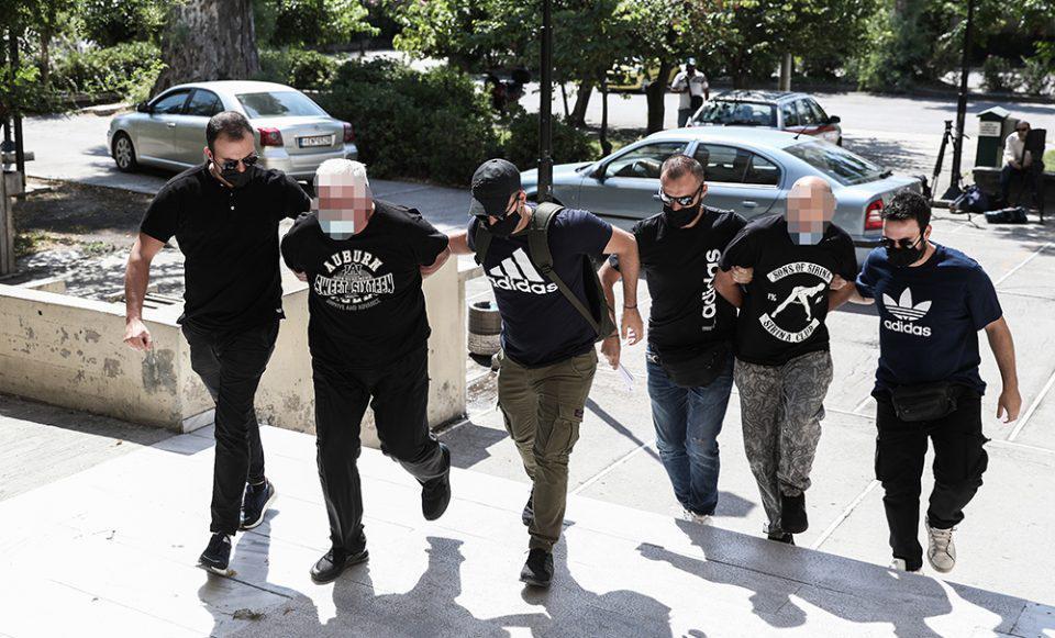 Ηλιούπολη: «Υπάρχει κύκλωμα πίσω από την υπόθεση» – Τι καταγγέλλει η δικηγόρος της 19χρονης