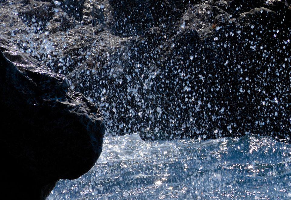 Κρήτη: Συγκλονίζει η μάχη του ζευγαριού με τη φουρτουνιασμένη θάλασσα