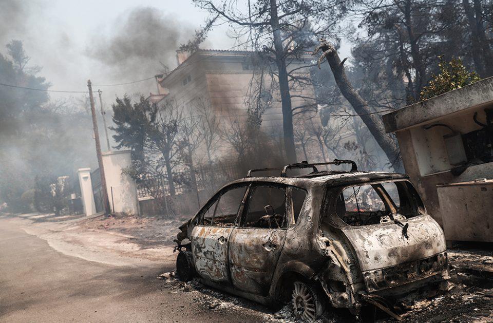 Χαρδαλιάς για τη μεγάλη φωτιά στη Σταμάτα: Σε ύφεση το μέτωπο