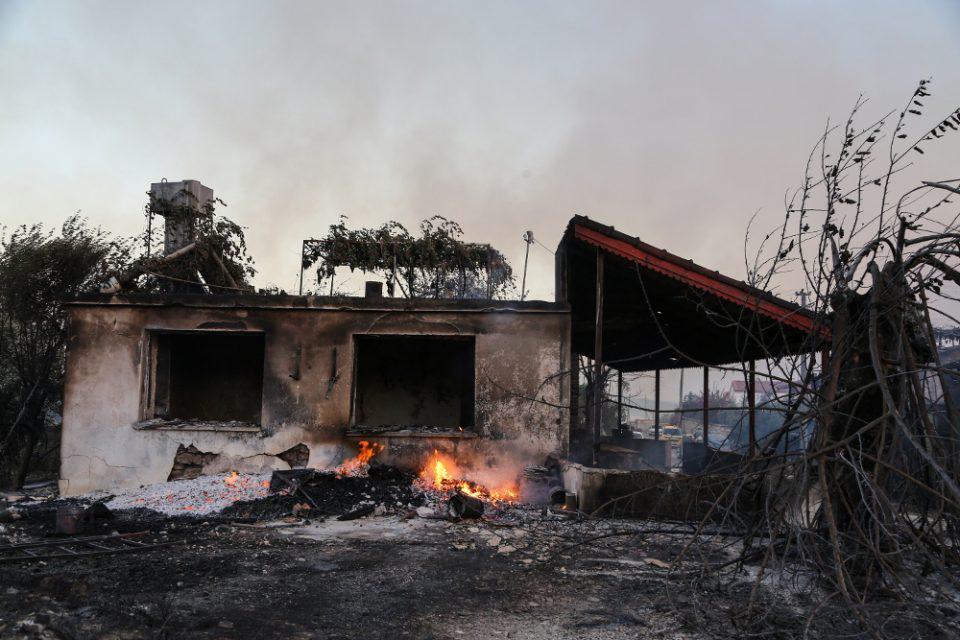 Τουρκία: Ένας νεκρός από πυρκαγιά που μαίνεται στα νότια της χώρας