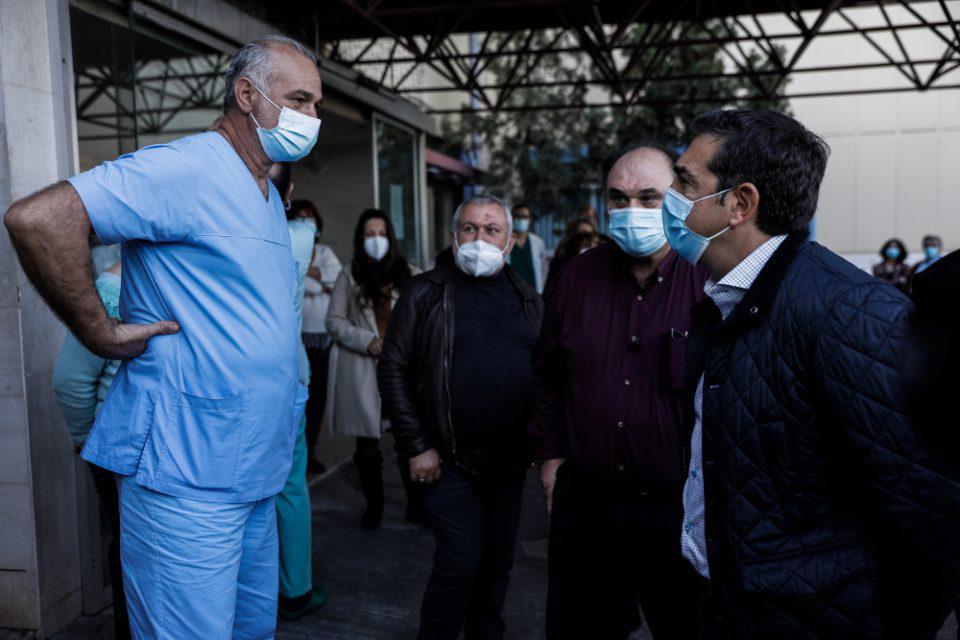 Νέα «αγκαλιά» Τσίπρα στο αντιεμβολιαστικό κίνημα
