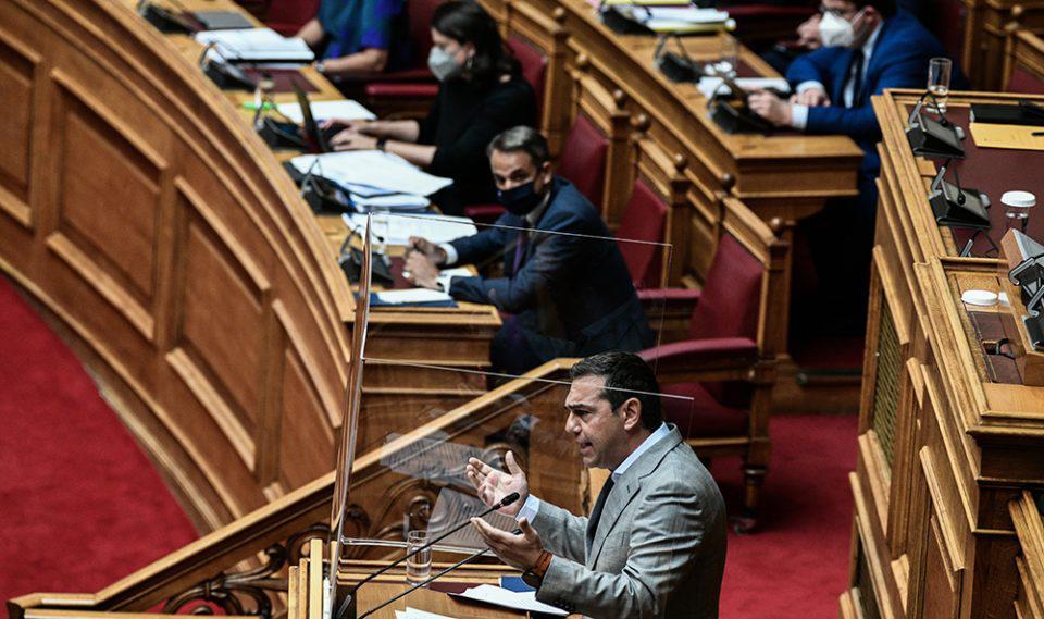 Τσίπρας στη Βουλή: Έχετε άγνοια του ελληνικού πανεπιστημίου