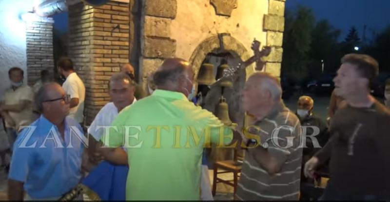Ζάκυνθος: O κακός χαμός λόγω προτροπής του ιερέα να εμβολιαστούν [βίντεο]