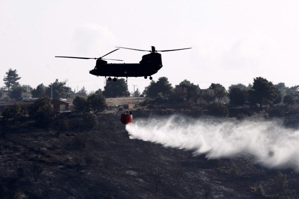 Φωτιά -Ένοπλες Δυνάμεις: Αυξάνεται η εμπλοκή τους με συνεχείς περιπολίες και επιτήρηση από αέρος